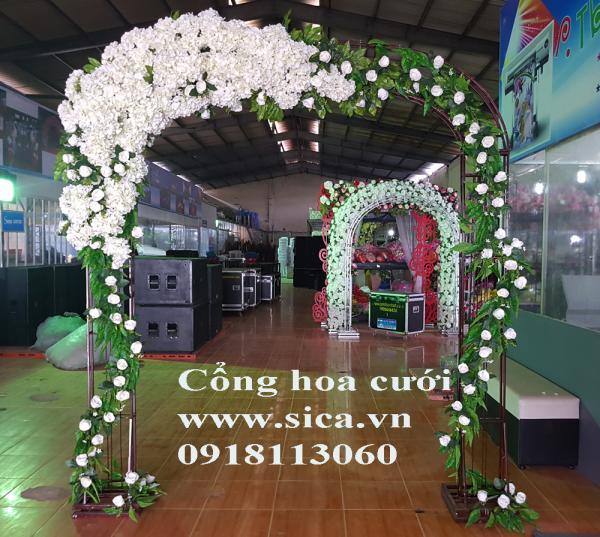 Cổng cươi hoa cẩm tú cầu màu trắng