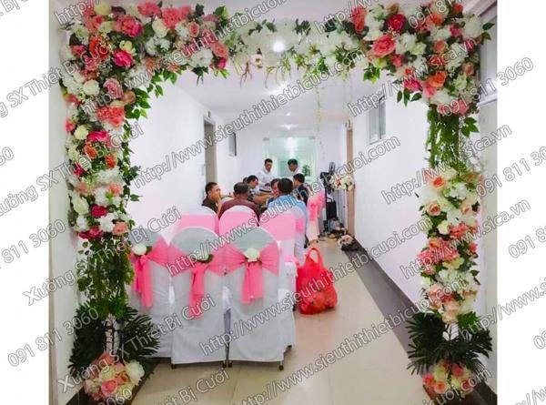 Cổng hoa đơn giản