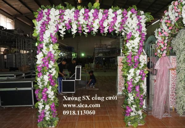 Cổng cưới hoa lan trắng tím