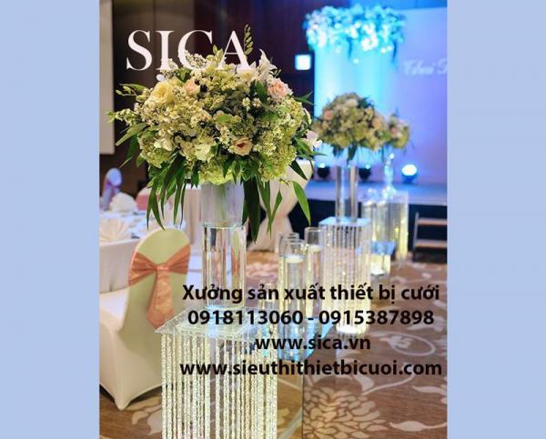 Điểm bán chân hoa trang trí sân khấu đám cưới