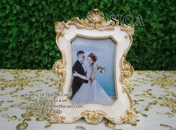 Khung hình cổ điển cho đám cưới