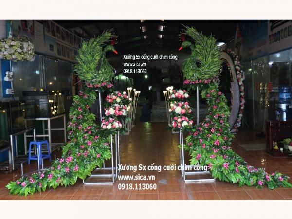 Bộ cổng cưới chim công đuôi lớn hoa cỏ