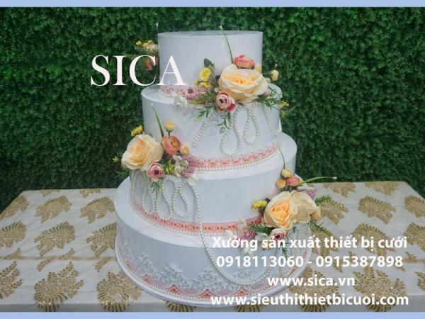 Thiết kế bánh kem giả 4 tầng cho đám cưới