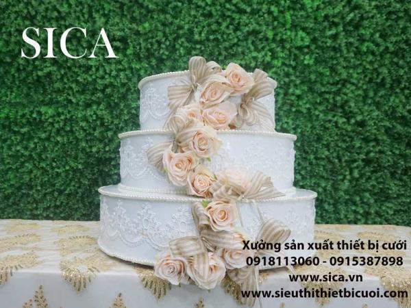 Điểm bán bánh kem giả trang trí nhà hàng tiệc cưới