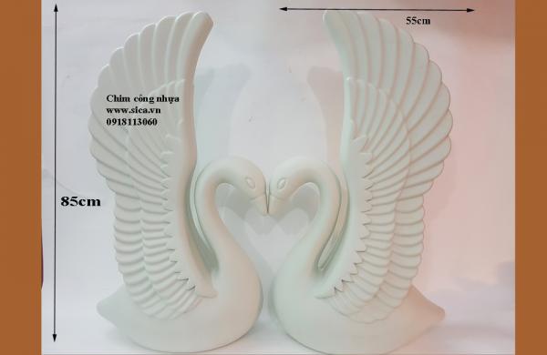 Chim công nhựa cao 85cm chưa trang trí hoa