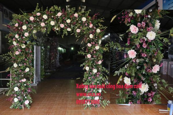 Cổng cưới hoa cỏ thiên nhiên