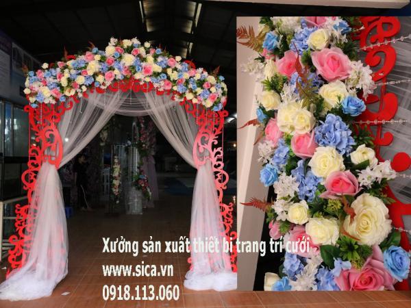 Cổng hoa cưới chân foam mỹ thuật đầu ngang đỏ