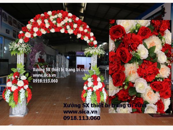 Cổng hoa cưới lục bình đôi rối đầu tròn, hoa đỏ