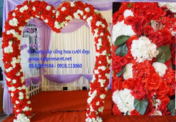 Cổng cưới trái tim màu đỏ