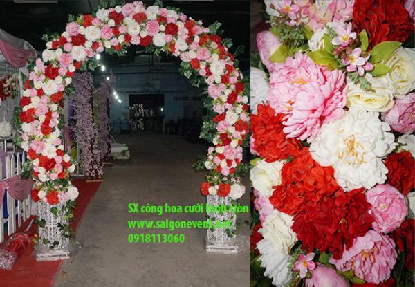 cổng hoa đám cưới tròn trái banh