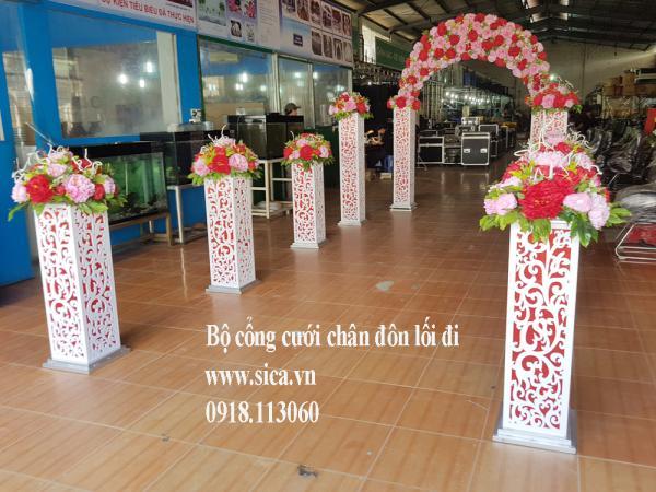 Bộ cổng cưới và chân hoa lối đi
