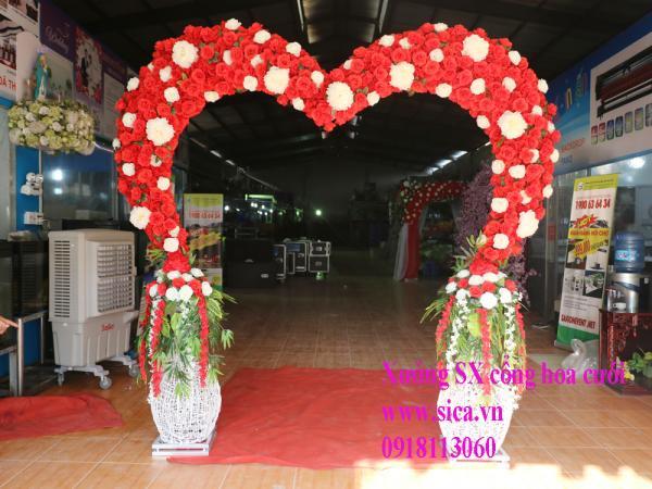 Cổng cưới trái tim hoa hồng màu đỏ