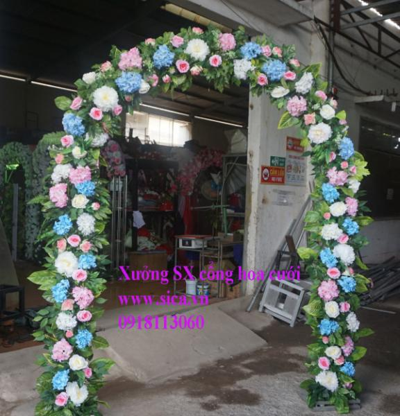 Cổng hoa hồng hoa cẩm tú cầu