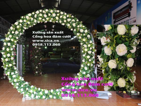 Cổng hoa đám cưới tròn O, kết hoa lá thiên nhiên