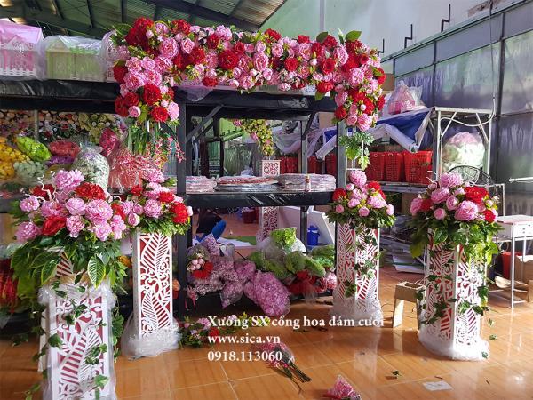 Bộ cổng hoa đám cưới chân foam và chân trụ hoa