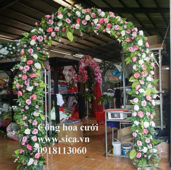 Cổng cưới hoa hồng tự nhiên
