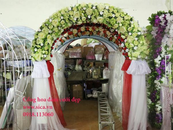 Cổng hoa cưới chân voan màu xanh cốm