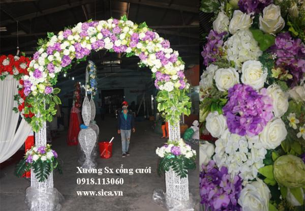 Cổng hoa đám cưới chân lục bình đôi trắng tím