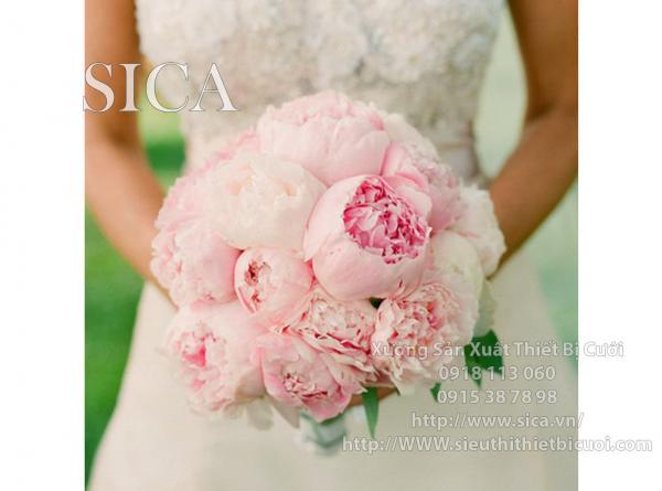 Hoa cưới cầm tay hồng nhạt