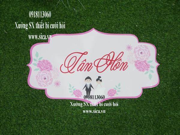 Bảng tên thiết kế chữ Tân Hôn treo cổng hoa cứới hoa hồng