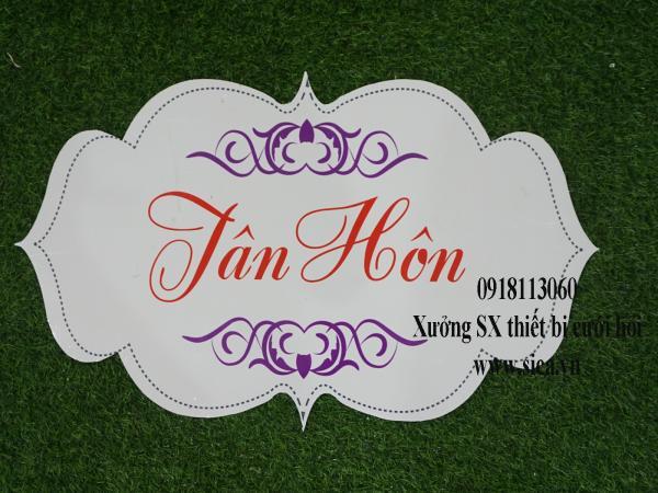 Bảng tên thiết kế chữ Tân Hôn treo cổng hoa cứới