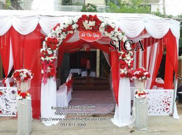 Cổng hoa Thái đỏ