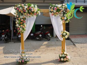 Cổng hoa tông màu trắng hồng