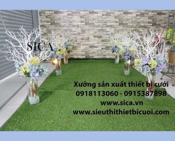 Bình hoa trang trí lối đi sân khấu cưới