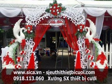 Cổng hoa chim công trang trí cưới