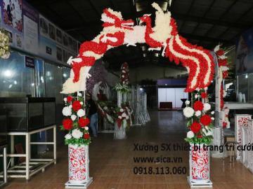 Cổng hoa đám cưới rồng phụng đầu trên kết hoa