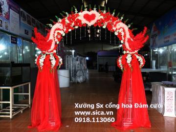 Cổng hoa cưới chim hạt trang trí hoa trắng đỏ