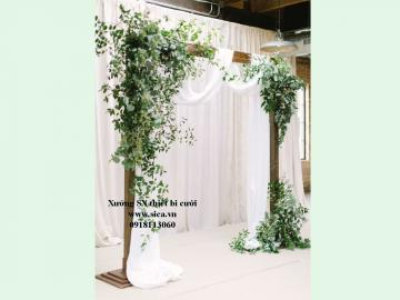 Cổng hoa cưới khung gỗ mộc